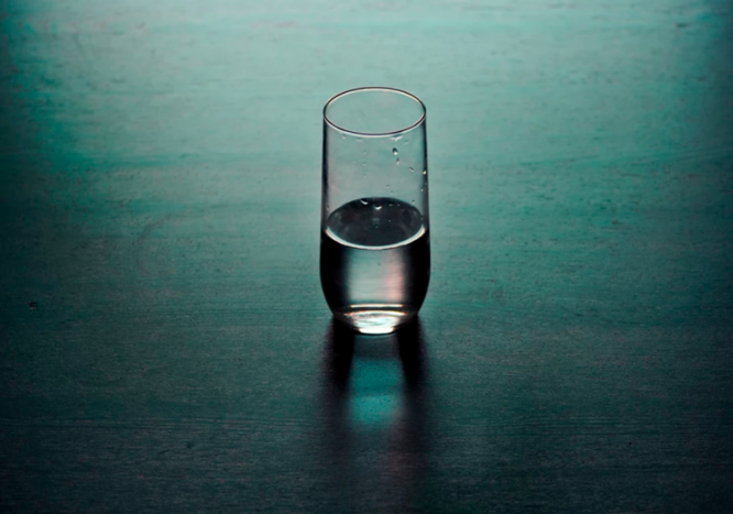 Nutrition Challenge: Nighttime hunger pangs? Try drinking a glass of water