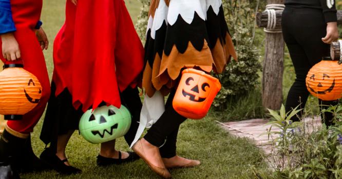 Budget Challenge: Costume swap