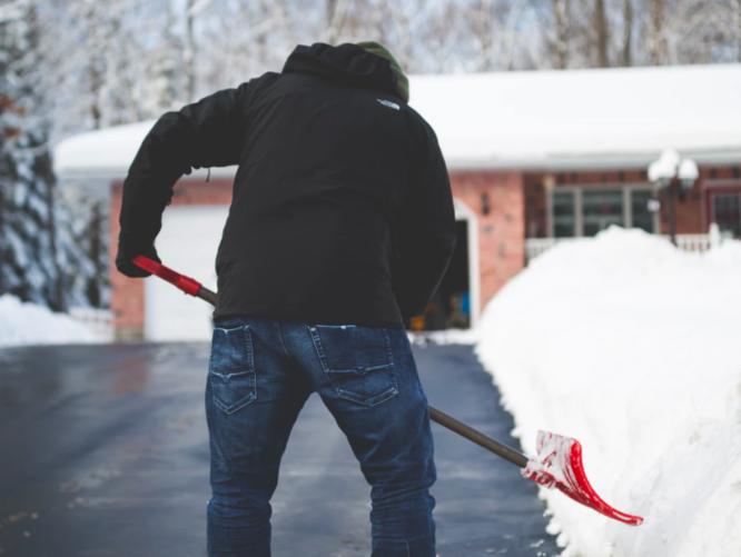 Fitness Challenge: Shovel instead of using the snowblower